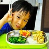 從6個月到8歲都可以用 Kangovou小袋鼠不鏽鋼兒童餐具組