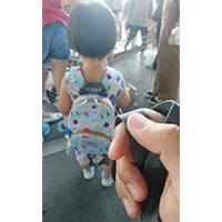 1~3歲兒童背包推薦「英國HUGGER防走失背包」,安全無毒材質防潑水,背帶減壓胸扣設計