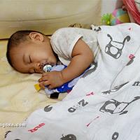 嬰兒包巾推薦│mezoome純棉紗布包巾&有機棉兔兔被。安心原料,柔軟質地