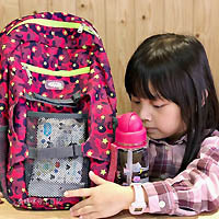 兒童實用背包 英國HUGGER孩童登山背包,耐磨耐操造型時尚超百搭,兒童書包戶外教學旅行後背包首選