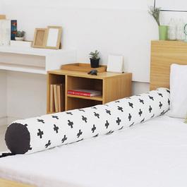Kangaruru多功能防跌落床圍抱枕 175cm 黑白配十字
