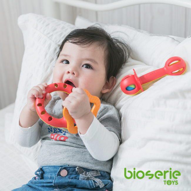 bioserie 綠色嬰兒啟發玩具