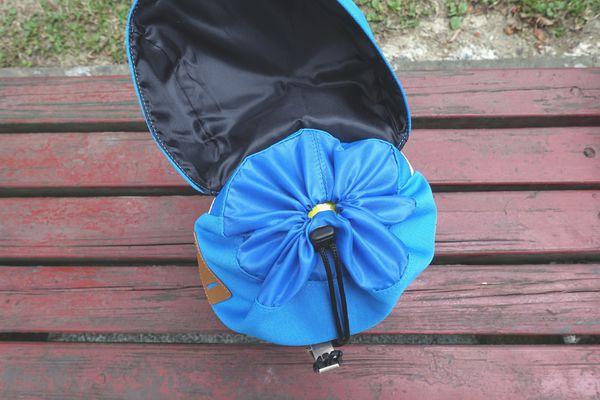 HAPPIPLAYGROUND街頭探險家兒童背包 上方束口設計