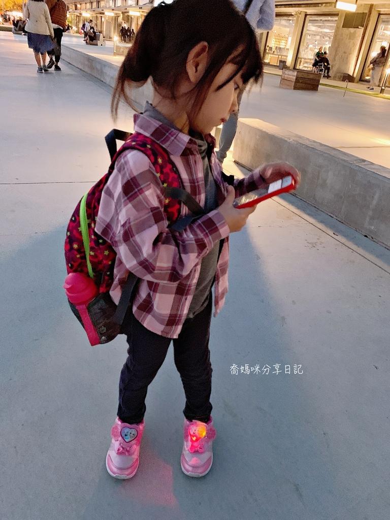 HUGGER 幼童登山背包IMG_0232-024.jpg