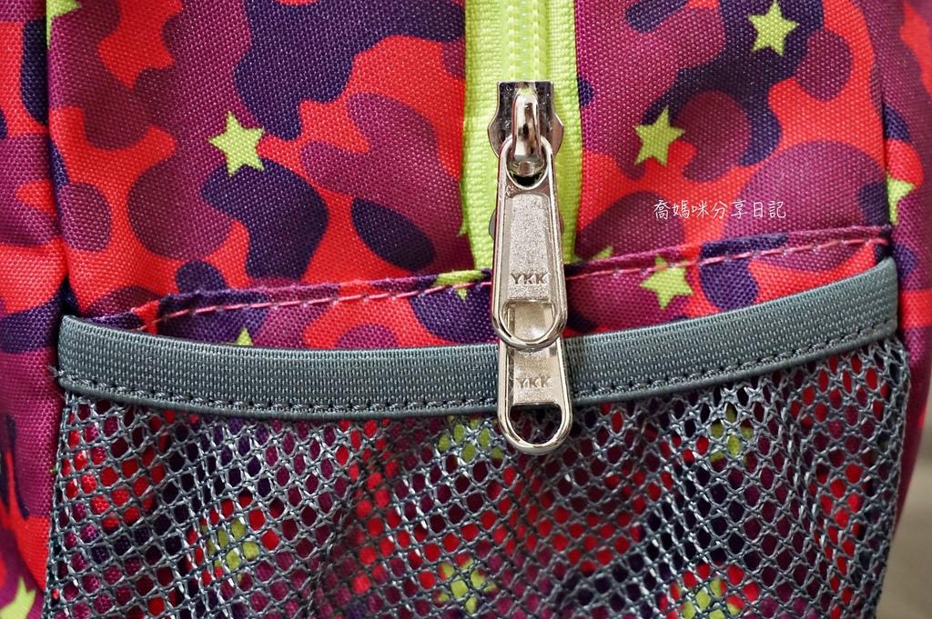 HUGGER 幼童登山背包DSC07855-008.JPG